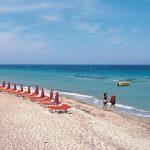 Marmari beach & couple-f6 (Medium)